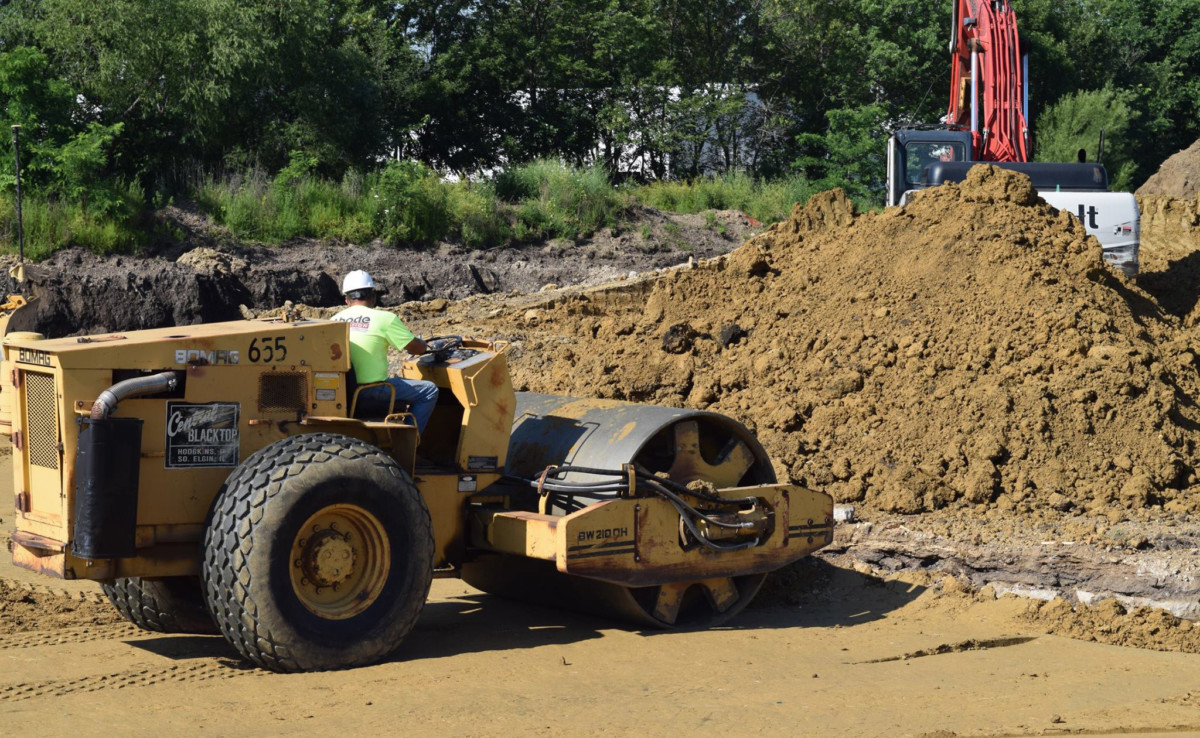 heavy equipment rolling site flat